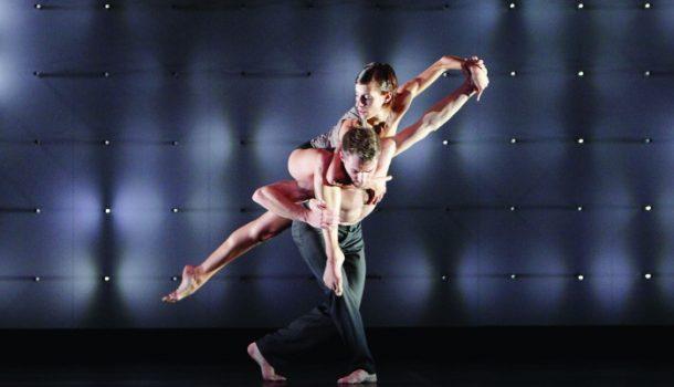 «FAR» de Wayne McGregor | Random Dance au Théâtre Maisonneuve de la Place des Arts