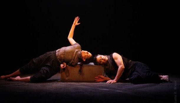 Le mouvement qui fait tourner «Les Paroles» à vide sur les planches du Théâtre Prospero
