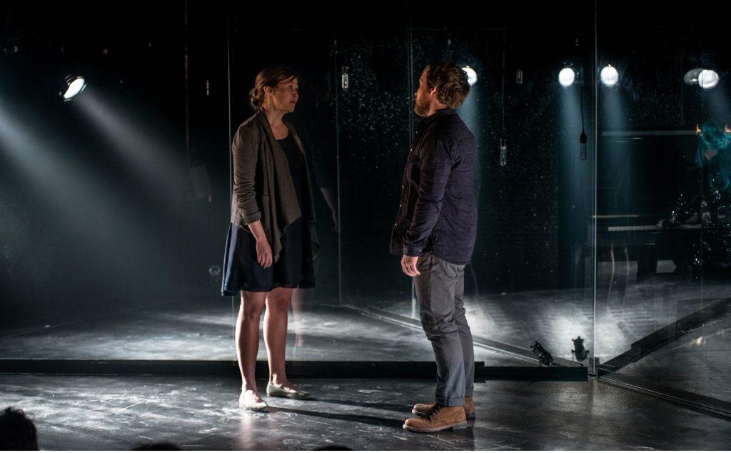 critique-theatre-licorne-fannybloom-nickpayne-Constellations2