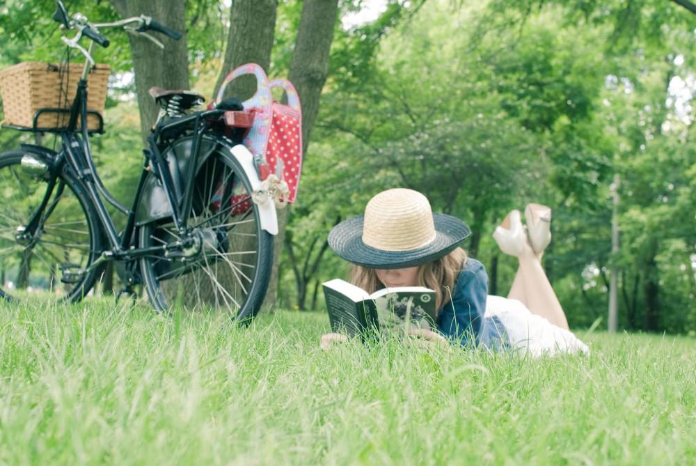 Partir-en-BIXI-avec-5-polars-a-lire-dans-5-parcs-de-Montreal-Bible-urbaine