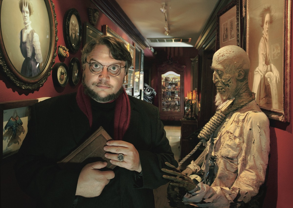 Guillermo-del-Toro-director-Cronos-1993-Bible-urbaine-2015