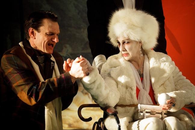 «Le joueur» de Dostoïevski d'après une mise en scène de Gregory Hlady au Théâtre Prospero