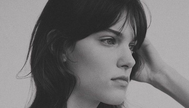 «Dans la peau de…» l'auteure-compositrice-interprète Charlotte Cardin