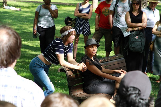 Cet été, le théâtre prend d'assaut les parcs de Montréal!