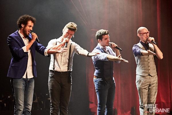 Le quatuor a capella QW4RTZ à la Cinquième Salle de la Place des Arts pour Juste pour rire 2016