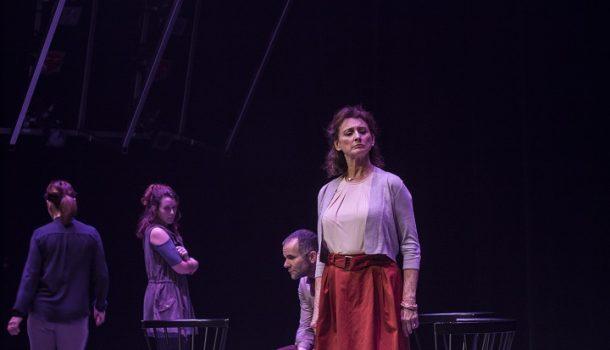 «Le Terrier» dans une mise en scène de Jean-Simon Traversy au Théâtre Denise-Pelletier