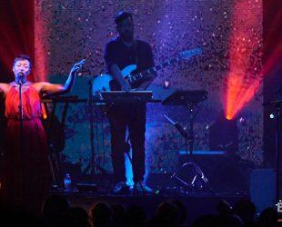 Le mixeur-compositeur anglais Bonobo au Métropolis lors du «Migration Tour»