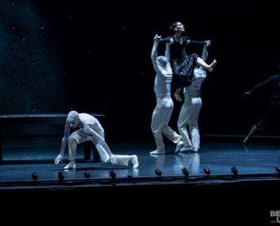 «Falling Angels» au Théâtre Maisonneuve de la Place des Arts