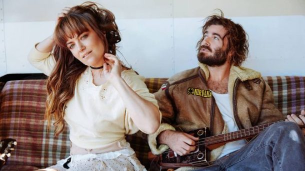 Critique-Angus-And-Julia-Stone-Bible-Urbaine