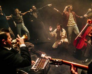 La danse vitale d'Hofesh Shechter à la Place des Arts avec «Grand Finale»