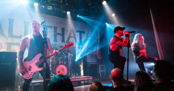 19 photos du concert du groupe métal All That Remains à l'Astral