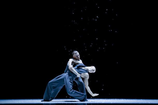 «Dance Me», un hommage à Leonard Cohen des Ballets Jazz de Montréal à la Place des Arts