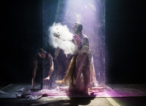 Corps échoués et tableaux funestes: «Elle respire encore» et «Le Cri des méduses»