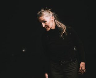 Catherine Gaudet au Théâtre La Chapelle avec «Tout ce qui va revient»