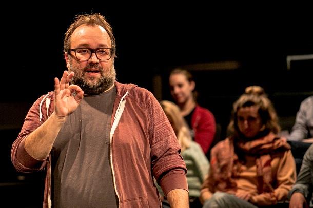 Extras-et-ordinaires-theatre-premier-acte-critique-bible-urbaine-6