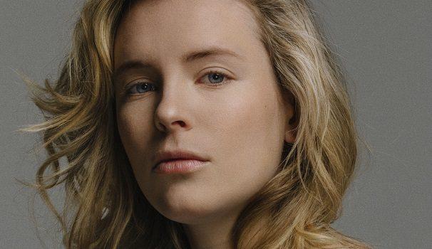 «Dans la peau de…» Charlotte Aubin, poétesse, auteure et comédienne
