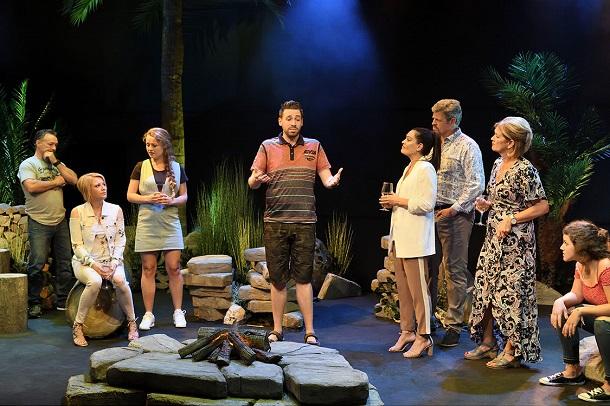 Bonne-retraite-Jocelyne-Theatre-La-Licorne-credit-Suzane-ONeill-critique-Bible-urbaine-4