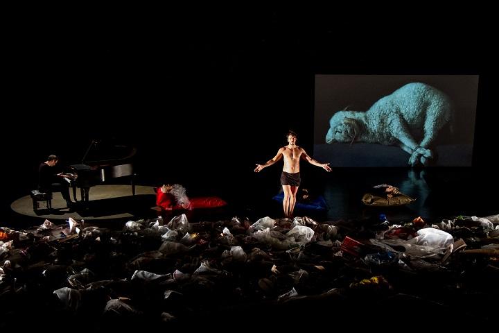 «Golgotha Picnic» de Rodrigo García à l'Usine C