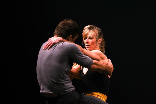 «L'un l'autre» de Sylvain Lafortune et Esther Rousseau-Morin à la Place des Arts