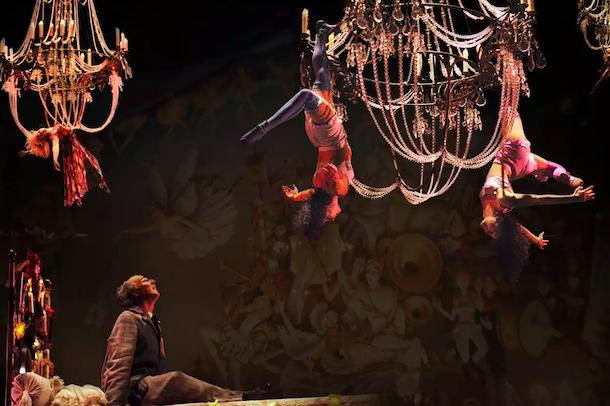 Un enterrement aux allures de carnaval: «Corteo» du Cirque du Soleil