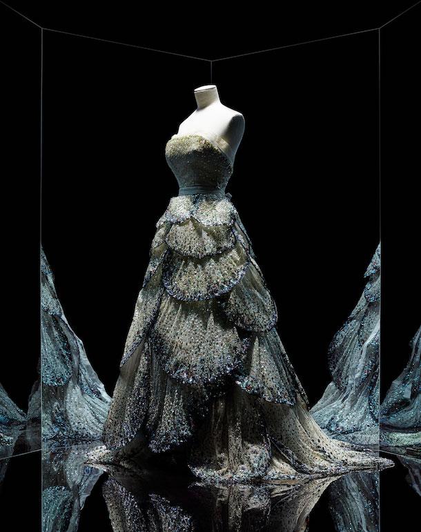 «Créateur d'influences»: le couturier Christian Dior et les fleurs [Partie I]