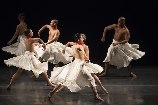 «Bach + Gira» de Grupo Corpo au Théâtre Maisonneuve de la Place des Arts