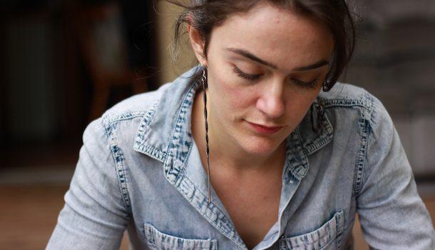 «Dans la peau de…» Gabrielle Giasson-Dulude, auteure en constante exploration du corps et de l'âme