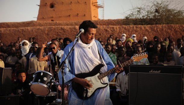 Bombino: le Jimi Hendrix du désert en 3 temps