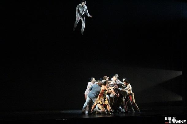 «Serge Fiori, Seul Ensemble»: un dosage parfait entre la musique d'Harmonium et les acrobaties