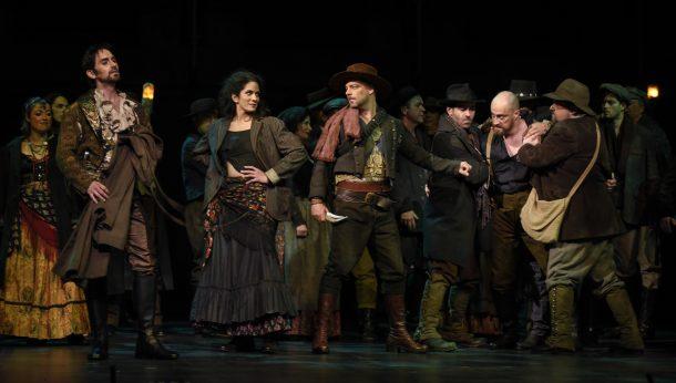 «Carmen» dans l'œil du cinéaste Charles Binamé à l'Opéra de Montréal