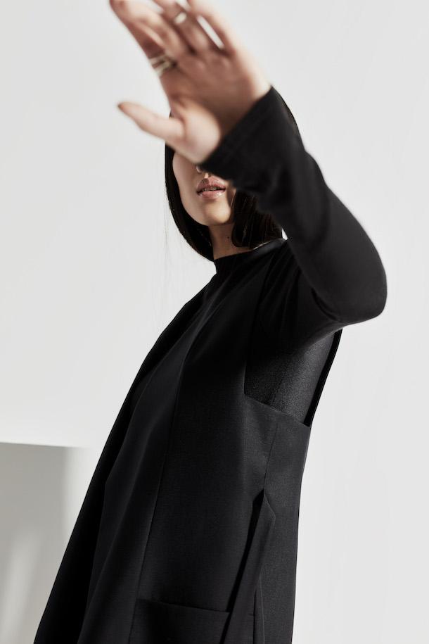 «En vogue avec…» Elisa C-Rossow et sa marque de vêtements haut de gamme