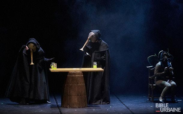 «Bosch Dreams» des 7 Doigts lors du festival Montréal Complètement Cirque