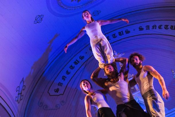 Un lot de surprises à l'église avec «Tabarnak» du Cirque Alfonse à la TOHU
