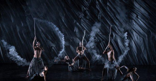 Bangarra Dance Theater présente «Spirit» au Théâtre Maisonneuve de la Place des Arts