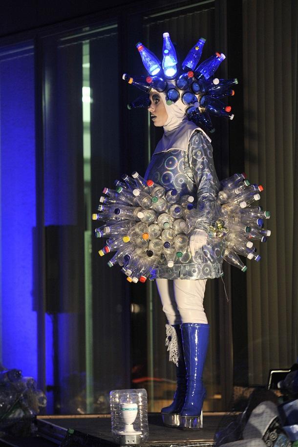 «Dans l'envers du décor»: Élène Pearson, conceptrice de costumes et scénographe