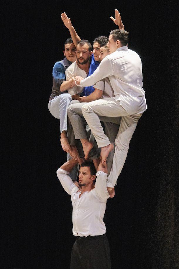 Le Groupe acrobatique de Tanger vous propose un voyage transcendant avec «Halka» à la TOHU