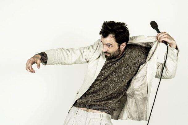 «Punch Line», le nouveau spectacle solo de Jacques Poulin-Denis à l'Agora de la danse