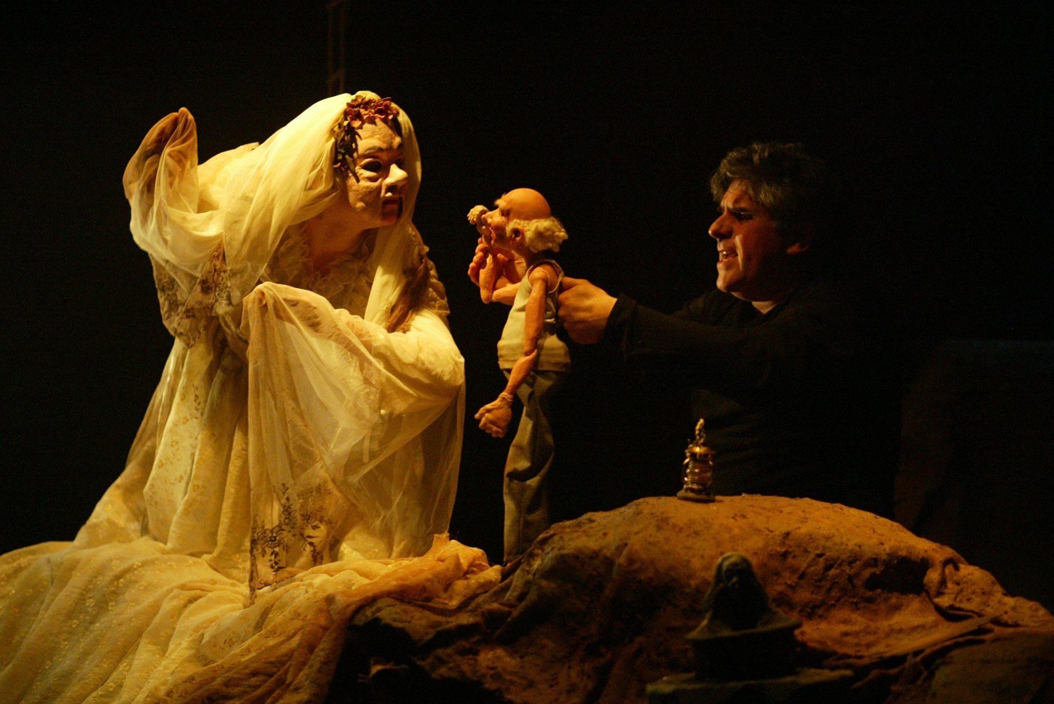 «Dans l'envers du décor»: Pierre Robitaille, maître marionnettiste