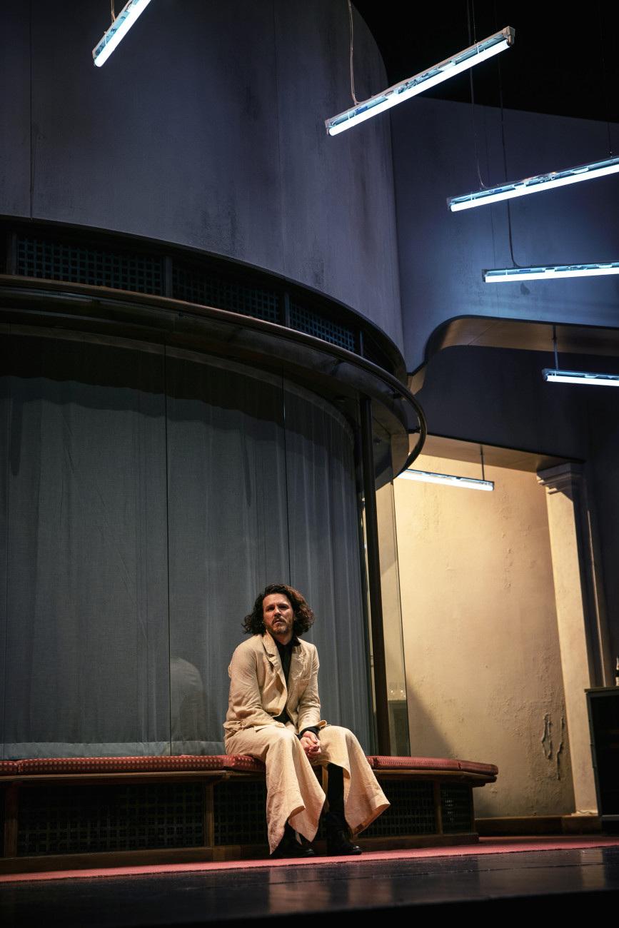 «Dans l'envers du décor»: Alban Ho Van, scénographe