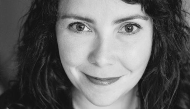 «L'entrevue éclair avec…» Sophie Imbeault, auteure et historienne qui nous invite dans les coulisses de la télévision québécoise