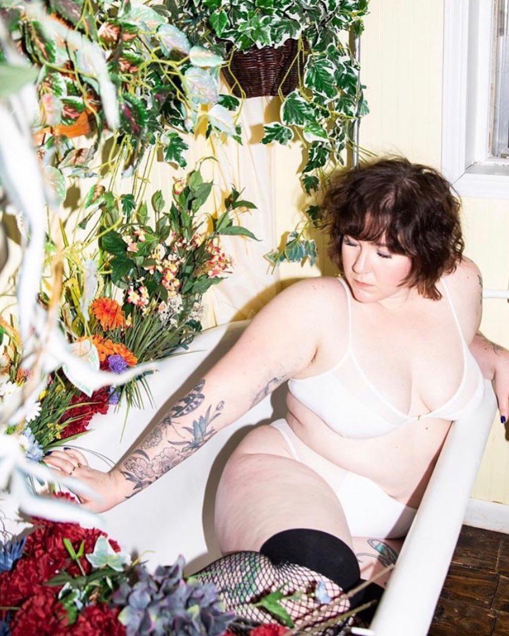 «En vogue avec…» Emilie Hajek de la marque de lingerie québécoise Stay Soft