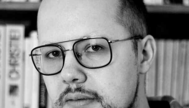 «La petite anecdote de…»: Nicholas Giguère, sur le désir entre hommes