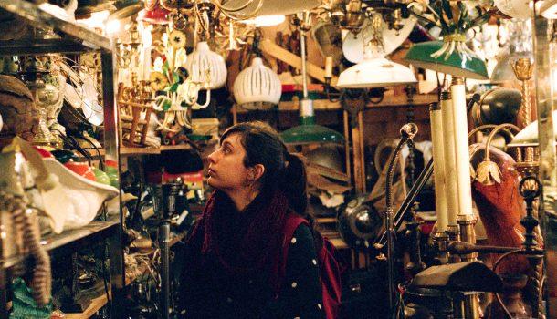 «Dans l'envers du décor»: Claire Renaud, scénographe et accessoiriste