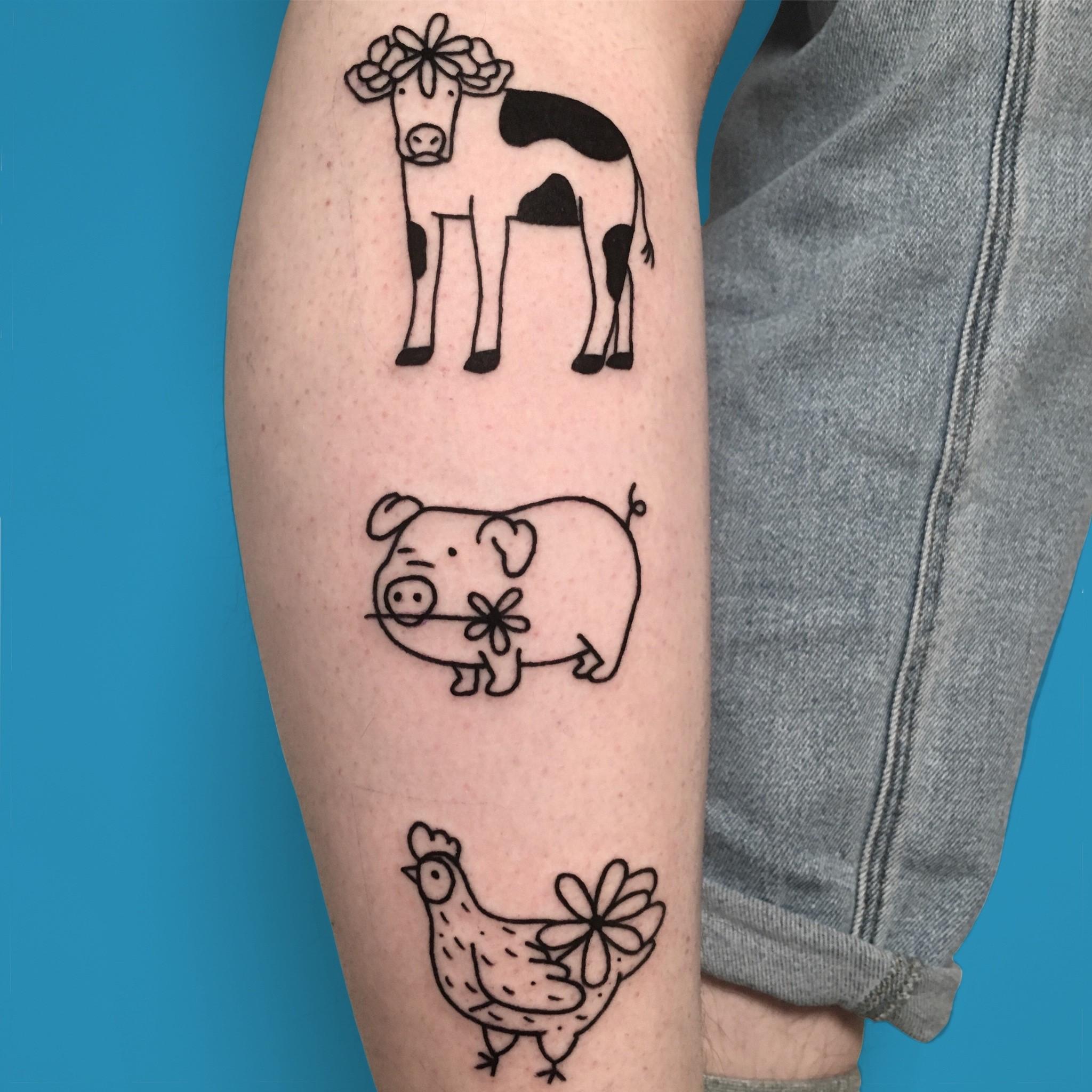 «En vogue avec…» Violette Violence, tatoueuse professionnelle et moitié de La Fièvre