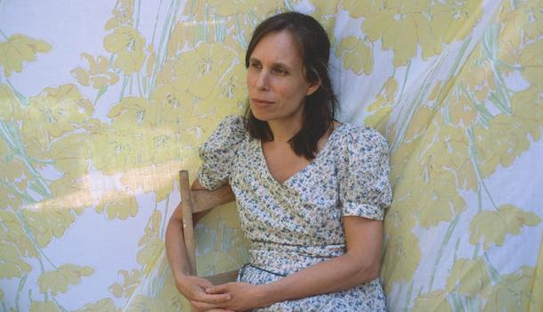 «Dans la peau de…» Judy Quinn, poétesse qui explore le lien avec le réel