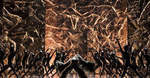 «Body and Soul» de Crystal Pite, interprété par le Ballet de l'Opéra de Paris