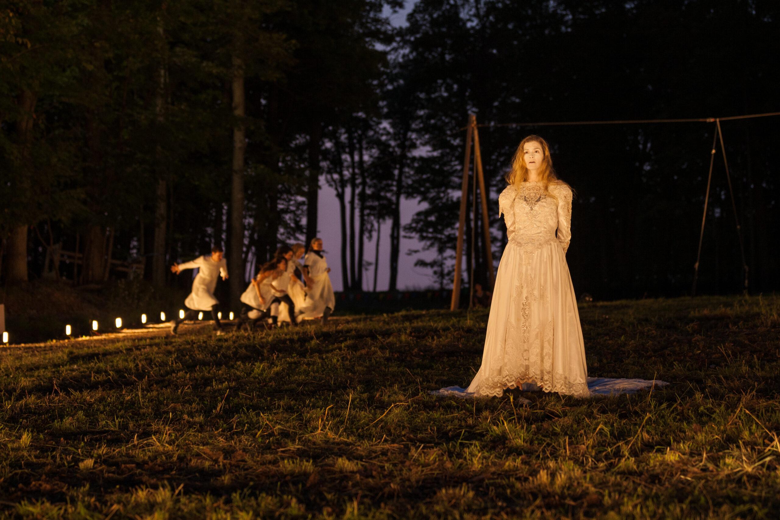 «Dans l'envers du décor»: Anne-Sara Gendron, conceptrice lumière et scénographe