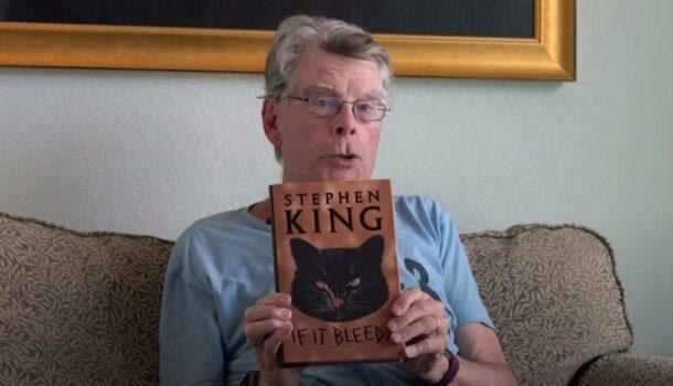 Stephen King lit un chapitre de son plus récent recueil de nouvelles intitulé «Si ça saigne»