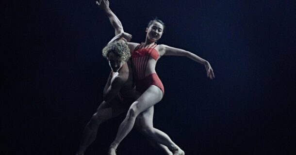 «ÉCHOS» des Grands Ballets présenté à la Salle Wilfrid Pelletier de la Place des Arts
