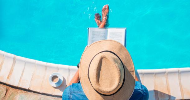 8 suggestions de romans pour ajouter du piquant à vos journées estivales